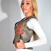 Одежда ручной работы. Ярмарка Мастеров - ручная работа Короткий жилет с цветами. Handmade.