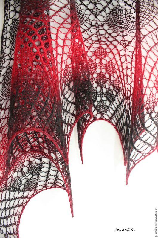 """Шали, палантины ручной работы. Ярмарка Мастеров - ручная работа. Купить Шаль """" Эфирная"""" черно - красная. Handmade. Черный"""