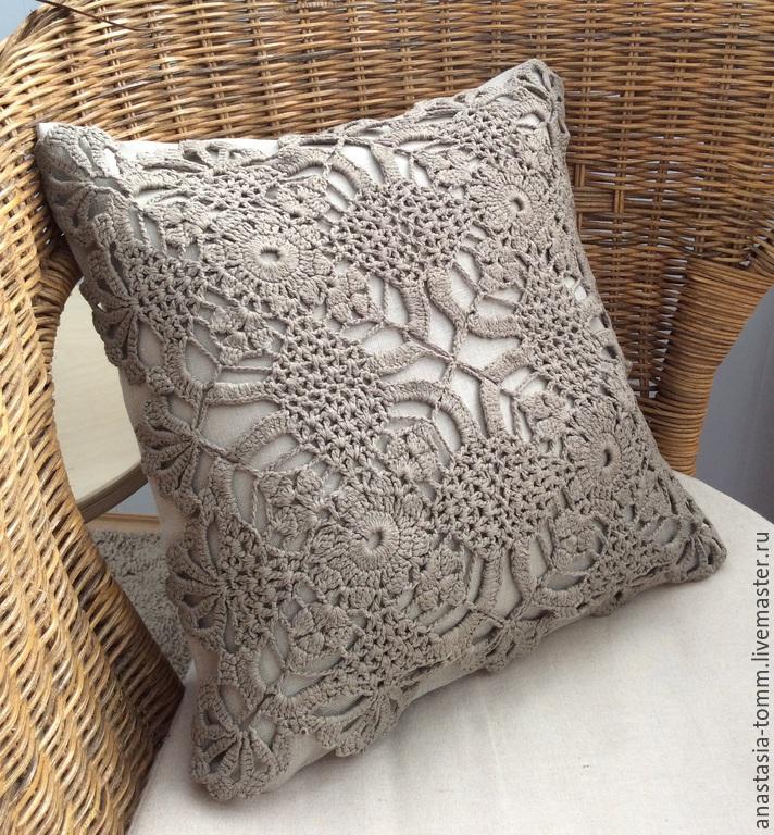 Декоративные подушки из кружева