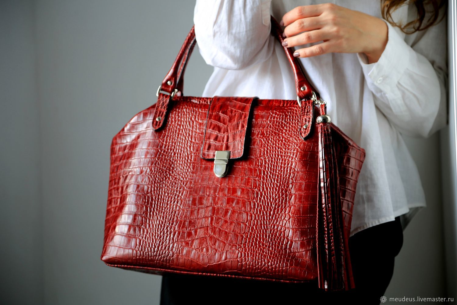 Bag L of dark red leather under the crocodile art. Four hundred eighty four, Valise, Moscow,  Фото №1
