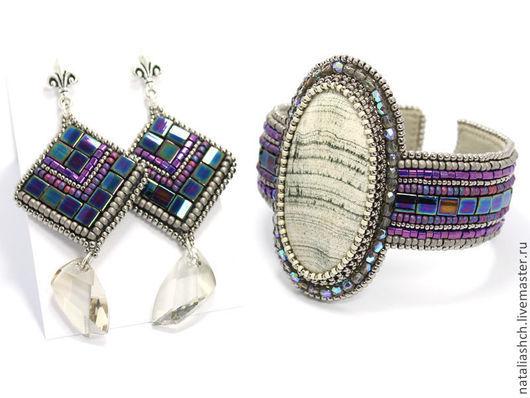 Комплекты украшений ручной работы. Ярмарка Мастеров - ручная работа. Купить Браслет и серьги, вышивка бисером, с камнями и сваровски, фиолетовый. Handmade.