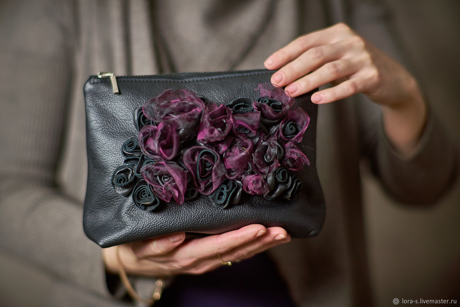 Cosmetic bag with purple organza and leather roses. March 8, Beauticians, Dusseldorf,  Фото №1