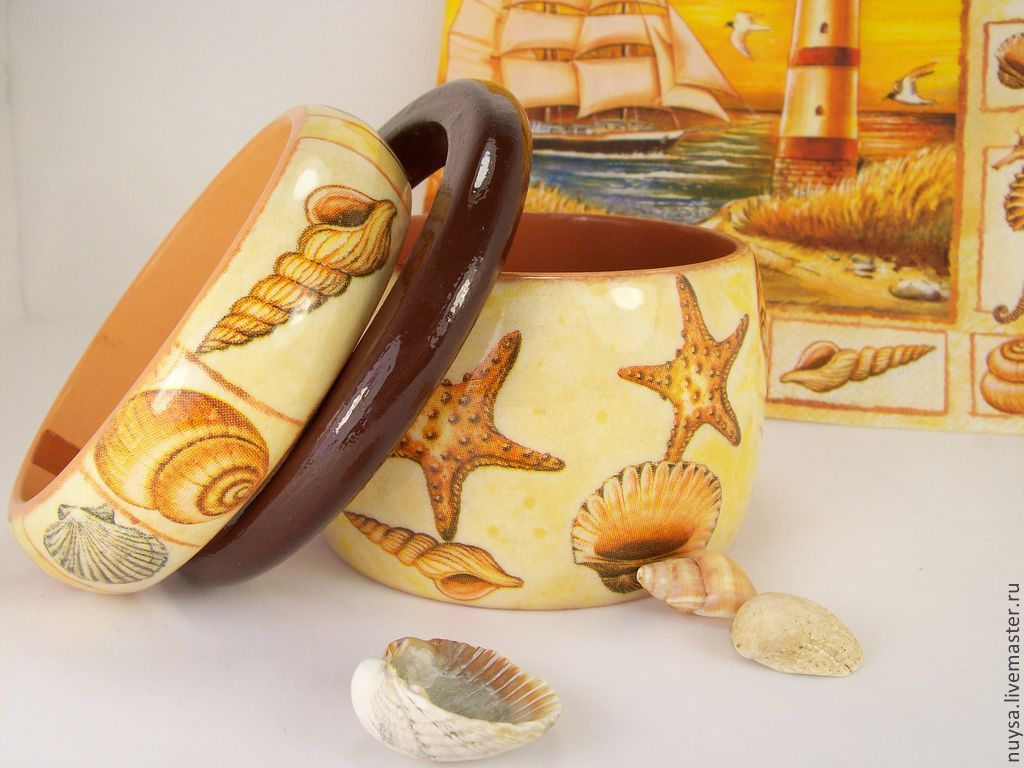 Wooden jewelry Bangles set `Beach` decoupage nautical theme solar color image of shells and starfish wide and thin bracelets