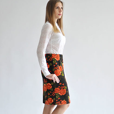 Одежда ручной работы. Ярмарка Мастеров - ручная работа Тёплая трикотажная юбка-карандаш Красные Цветы. Handmade.