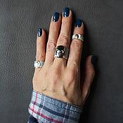Украшения ручной работы. Ярмарка Мастеров - ручная работа Голубое кожаное кольцо с черепом SWAROVSKI, набор из 3-х колец. Handmade.