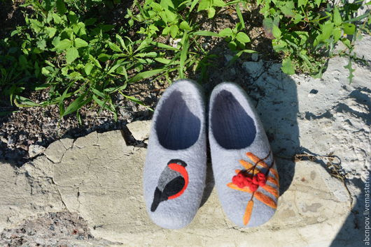 """Обувь ручной работы. Ярмарка Мастеров - ручная работа. Купить Тапочки  """"Снегирь"""". Handmade. Серый, Тапочки ручной работы"""