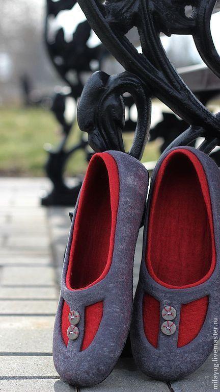 """Обувь ручной работы. Ярмарка Мастеров - ручная работа. Купить """"Загадка для Веры"""" валяные тапочки-балетки. Handmade. Темно-серый"""