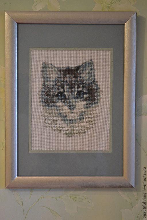 Животные ручной работы. Ярмарка Мастеров - ручная работа. Купить Вышитая картина Котенька. Handmade. Серый, котенок, серый серебристый