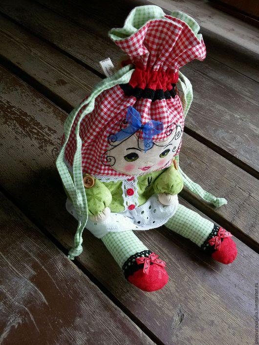 """Человечки ручной работы. Ярмарка Мастеров - ручная работа. Купить Кукла-мешочек """"Ляля с подарками"""". Handmade. Подарок новорожденной"""