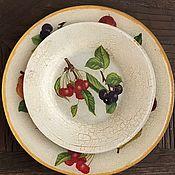 Тарелки ручной работы. Ярмарка Мастеров - ручная работа Тарелка в технике декупаж из стекла для столового сервиза Фрукты. Handmade.