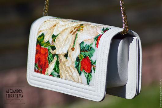 Женские сумки ручной работы. Ярмарка Мастеров - ручная работа. Купить Эксклюзивный клатч ручной работы выштый бисером «White lilies». Handmade.