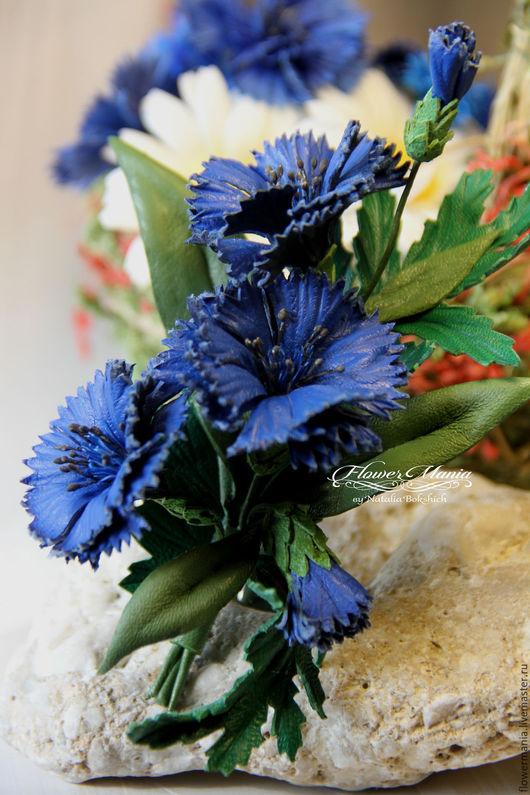 """Броши ручной работы. Ярмарка Мастеров - ручная работа. Купить """"ВАСИЛЬКИ"""". Handmade. Комбинированный, василек, брошь из кожи, flowers, цветы"""