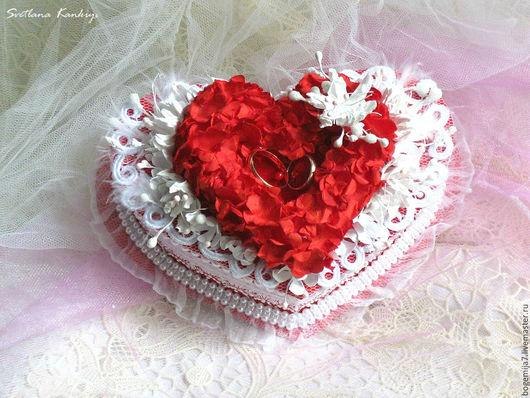 """Свадебные аксессуары ручной работы. Ярмарка Мастеров - ручная работа. Купить Свадебная коробочка для обручальных колец """"Любовь для двоих!"""" (красный. Handmade."""