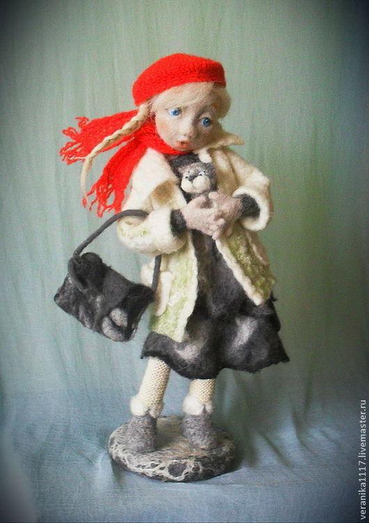 """Коллекционные куклы ручной работы. Ярмарка Мастеров - ручная работа. Купить Авторская кукла из шерсти """"Пушистое счастье"""". Handmade. дерево"""