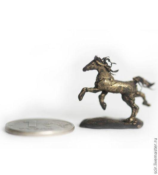 """Кукольный дом ручной работы. Ярмарка Мастеров - ручная работа. Купить миниатюра (масштаб 1:12) """"Статуэтка лошади для комнаты куклы"""". Handmade."""