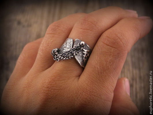 """Кольца ручной работы. Ярмарка Мастеров - ручная работа. Купить """"Hard rock"""" авторское серебряное кольцо. Handmade. Кольцо серебряное"""