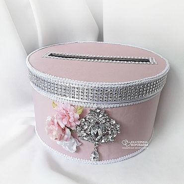 Свадебный салон ручной работы. Ярмарка Мастеров - ручная работа Розовый свадебный сундучок круглый с брошью и цветами. Handmade.