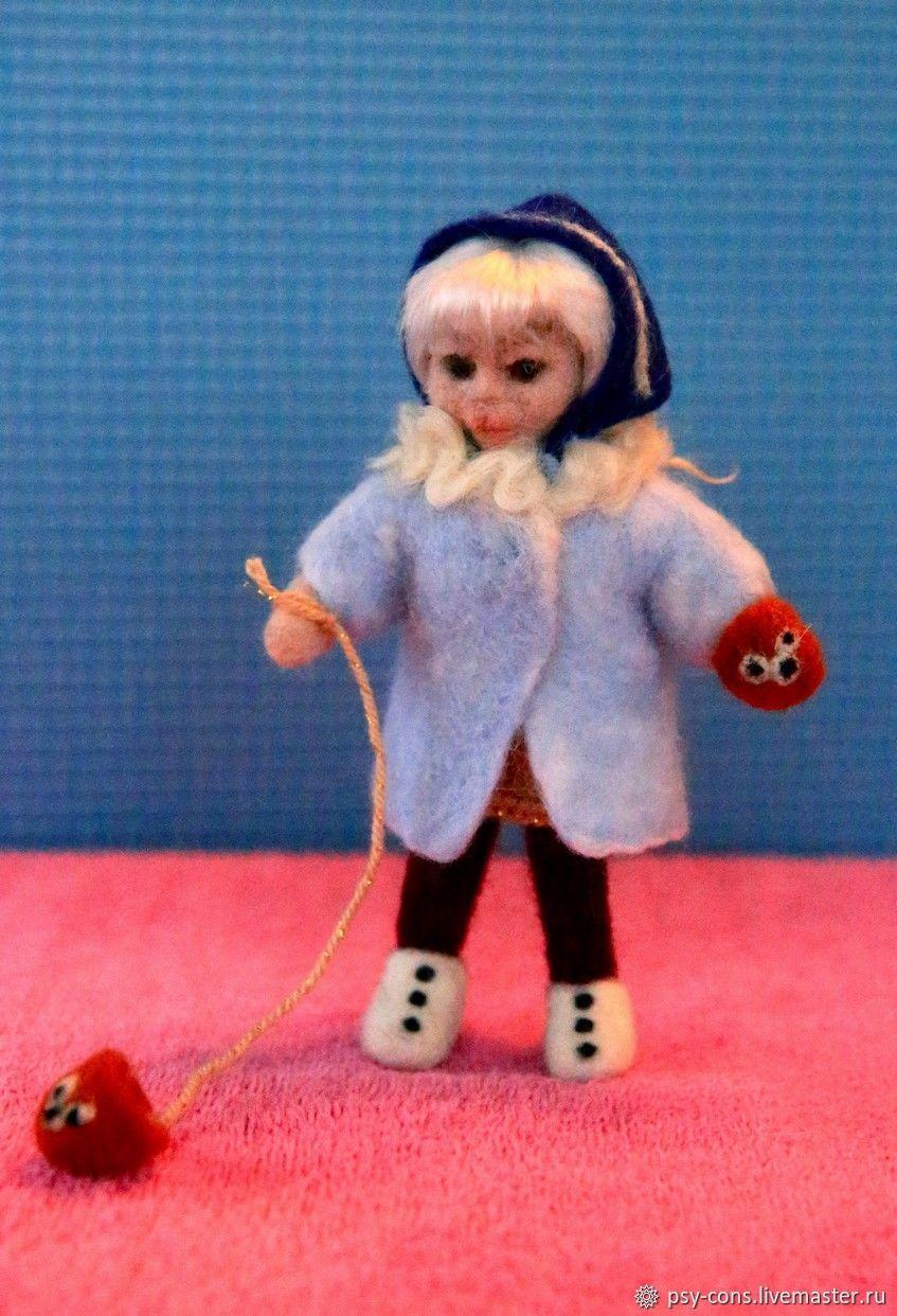 """Человечки ручной работы. Ярмарка Мастеров - ручная работа. Купить Девочка  из мультфильма """"Варежка"""" (войлочная кукла из шерсти). Handmade. мультфильм"""