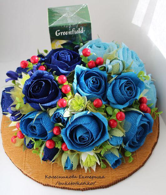 """Букеты ручной работы. Ярмарка Мастеров - ручная работа. Купить """"Ягодное настроение"""". Handmade. Синий, конфеты, цветы, букет, новоселье"""