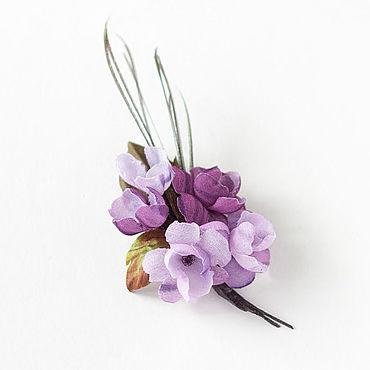 Украшения ручной работы. Ярмарка Мастеров - ручная работа Брошь цветы из шифона, лиловый букетик цветов из ткани с перьями. Handmade.