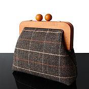 Сумки и аксессуары handmade. Livemaster - original item Brown tweed Bag on a wooden clasp with a strap. Handmade.