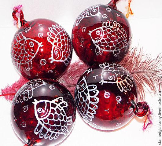 Набор Новогодних елочных шаров с рыбками Чешское стекло Диаметр: 11 см