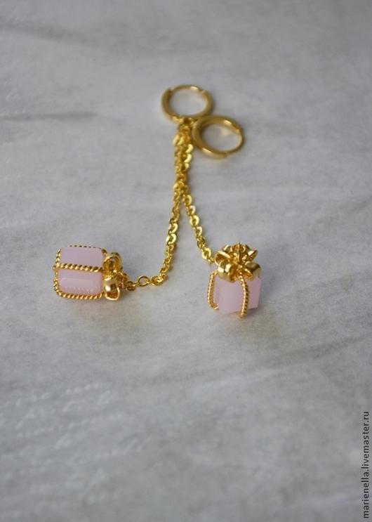"""Серьги ручной работы. Ярмарка Мастеров - ручная работа. Купить Серьги """"Подарок"""". Handmade. Бледно-розовый, позолоченные серьги"""