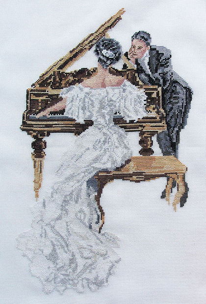 Купить пианистка - чёрно-белый