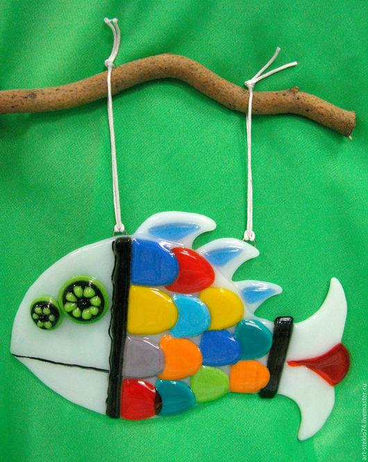 Миниатюрные модели ручной работы. Ярмарка Мастеров - ручная работа. Купить Фьюзинг-сувенир, Подвеска «Рыба». Handmade. Стекло