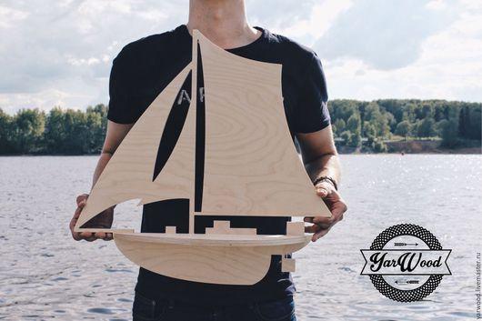 Полка `Корабль` разработана и сделана по оригинальному дизайну YarWood!
