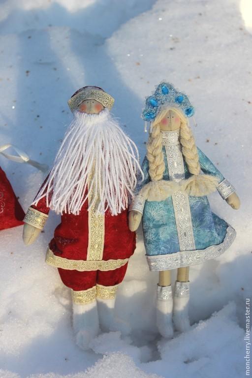 Куклы Тильды ручной работы. Ярмарка Мастеров - ручная работа. Купить Дед Мороз и Снегурочка в стиле тильда. Handmade. Разноцветный