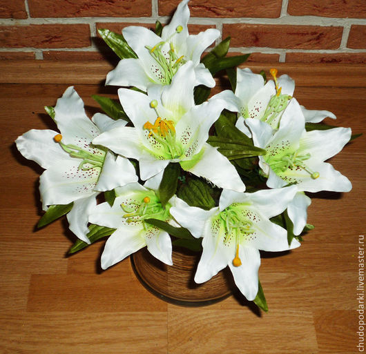 Куст Лилии тигровой, белой, с 7 цветками. h-45см., искусственная. для интерьера помещений.
