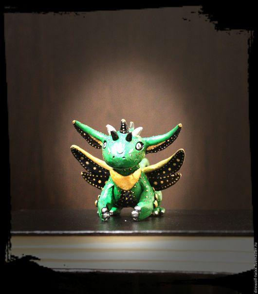 Статуэтка дракончик, ручной работы. Ярмарка Мастеров - Ручная работа.  Ирина Лютозверь (DireWolf-TwiXx).Дракончик - лунный хранитель, полимерная глина.
