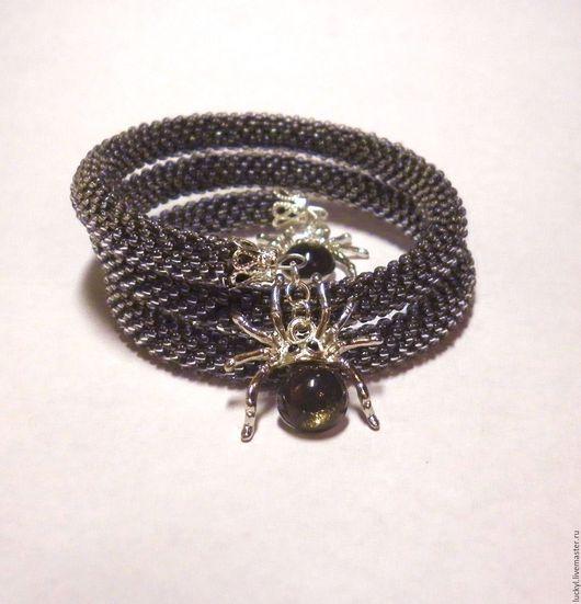 """Браслеты ручной работы. Ярмарка Мастеров - ручная работа. Купить Бисерный браслет """"Стальная паутина"""" (браслетс паучками, пауки). Handmade."""
