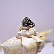 Украшения ручной работы. Ярмарка Мастеров - ручная работа Кольцо из серебра и золота с изумрудом. Handmade.