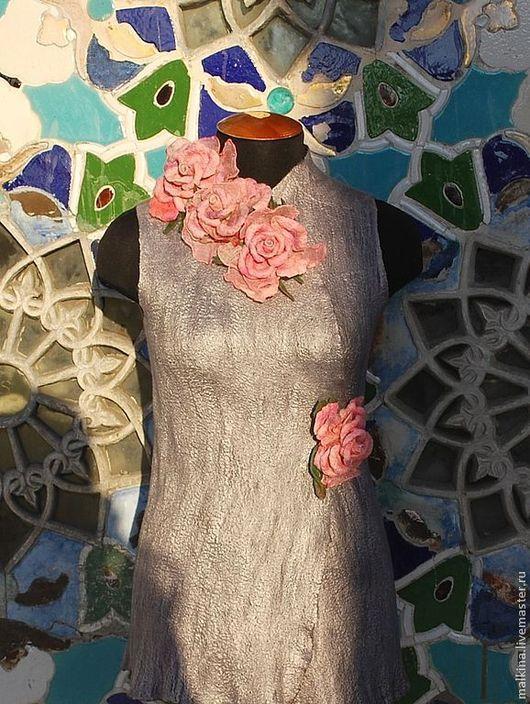 Жилеты ручной работы. Ярмарка Мастеров - ручная работа. Купить Валяный жилет розовые розы. Handmade. Серебряный, авторский жилет