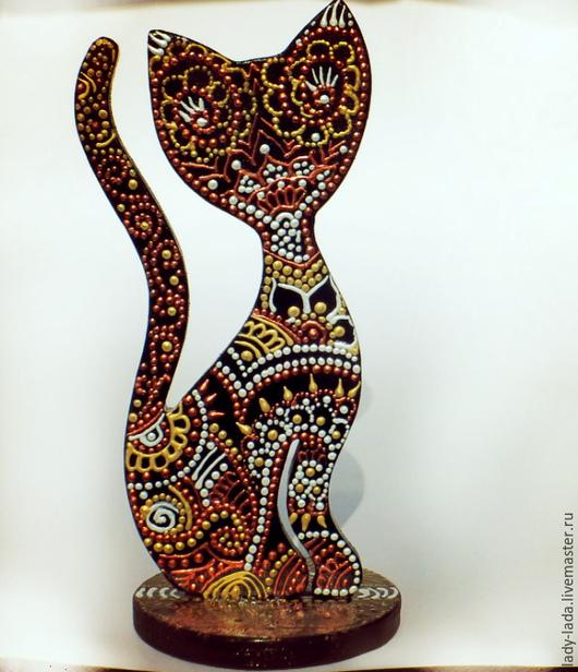 """Статуэтки ручной работы. Ярмарка Мастеров - ручная работа. Купить Интерьерная статуэтка - Кошка """"Амира"""".Точечная техника. Handmade. Коричневый"""