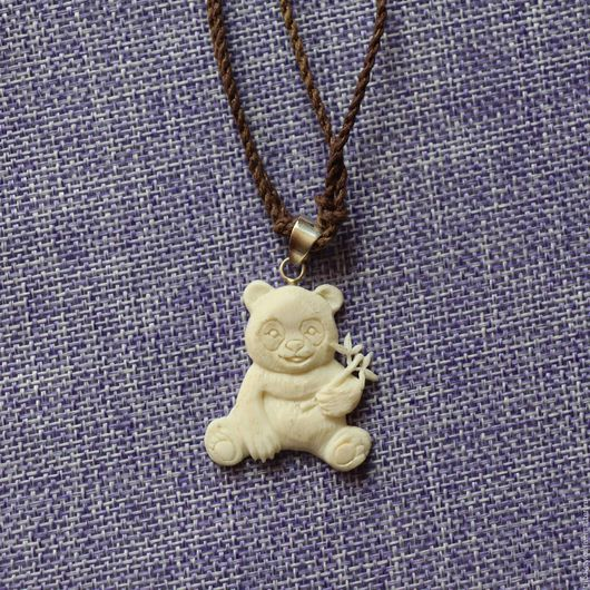 """Кулоны, подвески ручной работы. Ярмарка Мастеров - ручная работа. Купить Кулон """"Мишка с цветами"""". Handmade. Белый, кулон в подарок"""