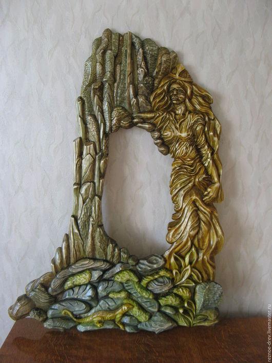 Экстерьер и дача ручной работы. Ярмарка Мастеров - ручная работа. Купить резная рама под зеркало хозяйка медной горы. Handmade.