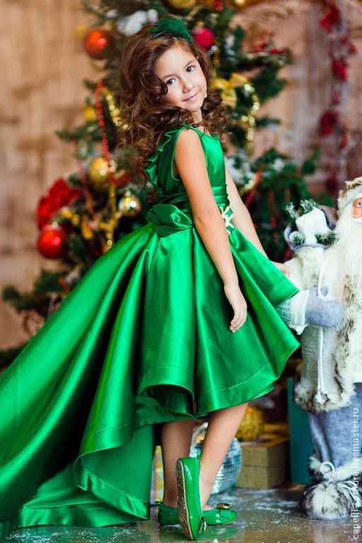 Платье для девочек зеленого цвета