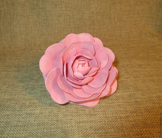 «Розовый свет» камелия из фоамирана.Брошь ручной работы. МамиНа мастерская. Ярмарка мастеров.