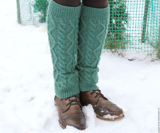 Носки, Чулки ручной работы. Ярмарка Мастеров - ручная работа. Купить Гетры вязаные зеленые. Handmade. Однотонный, зеленый