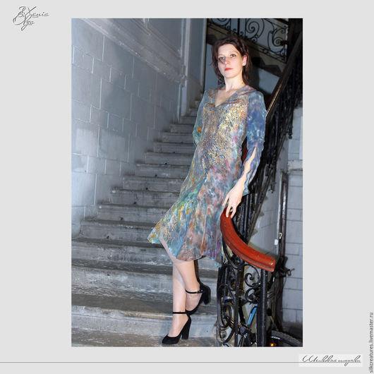 """Платья ручной работы. Ярмарка Мастеров - ручная работа. Купить Шелковое платье с ручной росписью """"Фея замка"""" из натурального шелка. Handmade."""
