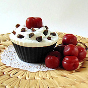 """Косметика ручной работы. Ярмарка Мастеров - ручная работа Мыло """" Шоколадное пирожное с вишней"""". Handmade."""
