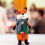 Куклы и игрушки ручной работы. Ярмарка Мастеров - ручная работа Храбрый лис в зеленой куртке. Валяная игрушка. Handmade.
