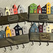 Ключницы ручной работы. Ярмарка Мастеров - ручная работа Ключница-домики. Handmade.