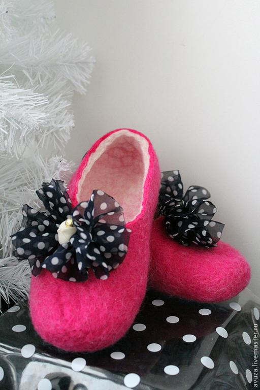 """Детская обувь ручной работы. Ярмарка Мастеров - ручная работа. Купить Тапочки для девочки """"Непоседа"""". Handmade. 8 марта"""