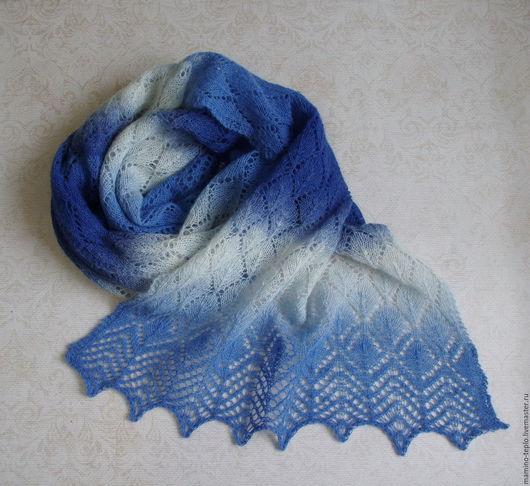 """Шали, палантины ручной работы. Ярмарка Мастеров - ручная работа. Купить Палантин вязаный """"Голубые переливы"""". Handmade. Синий"""