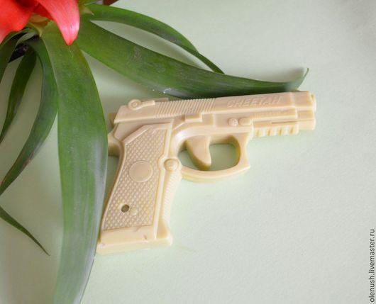 """Мыло ручной работы. Ярмарка Мастеров - ручная работа. Купить Мыло ручной работы """"Пистолет"""". Handmade. Черный, защитнику Отечества"""