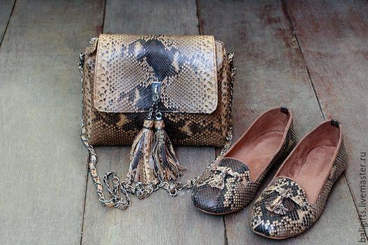 Комплект сумочка и балетки из натуральной кожи питона коричневые